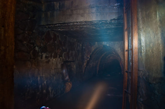 Sewerage Seen from Inside (66 pics)