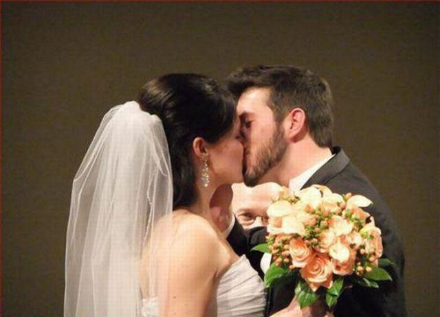 Wedding Photos Gone Wrong (31 pics)