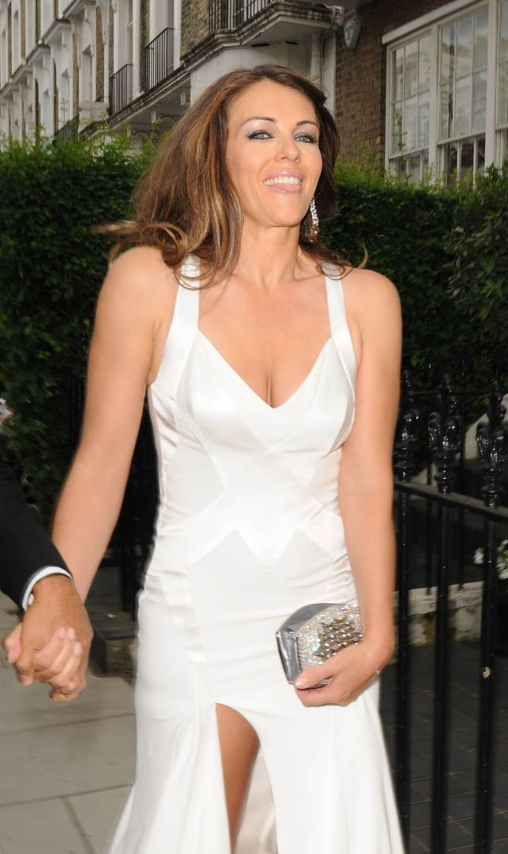 Gorgeous Elizabeth Hurley (8 pics)