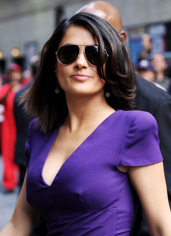 One of the Hottest Moms: Salma Hayek (7 pics)