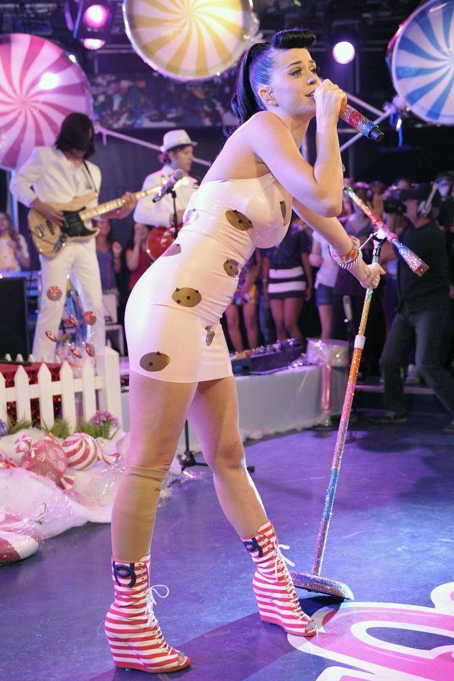 Katy Perry Looks Always Splendid (9 pics)