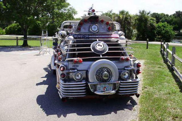 """Trash"" Limousine at a Price of Bugatti Veyron! (17 pics)"