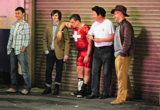 """Prim"" Englishmen Night Out (29 pics)"