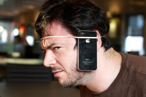 Problems of the iPhone 4 (12 pics)
