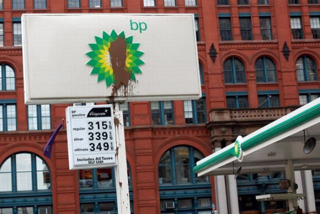 Signs against BP and Oil Spill (16 pics)