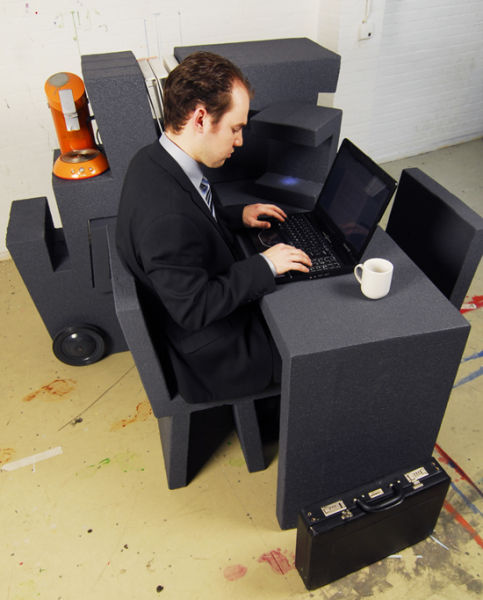 A Portable Office from Foam Plastic (7 pics)