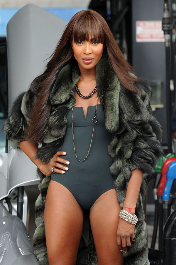 Naomi Campbell with a Weird Hairstyle of the Day (14 pics)