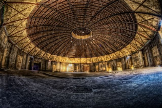 Impressive Photographs of Abandoned Places (50 pics)
