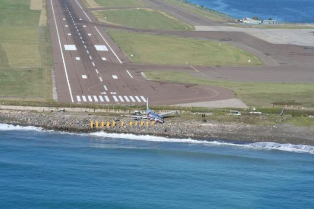 When a Plane Runway Is Too Short (8 pics)