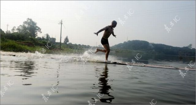 How Shaolin Monks Run on the Surface of the Water. Part 2 (51 pics)