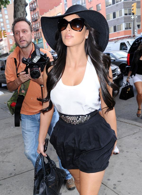 Kim Kardashian (8 pics)