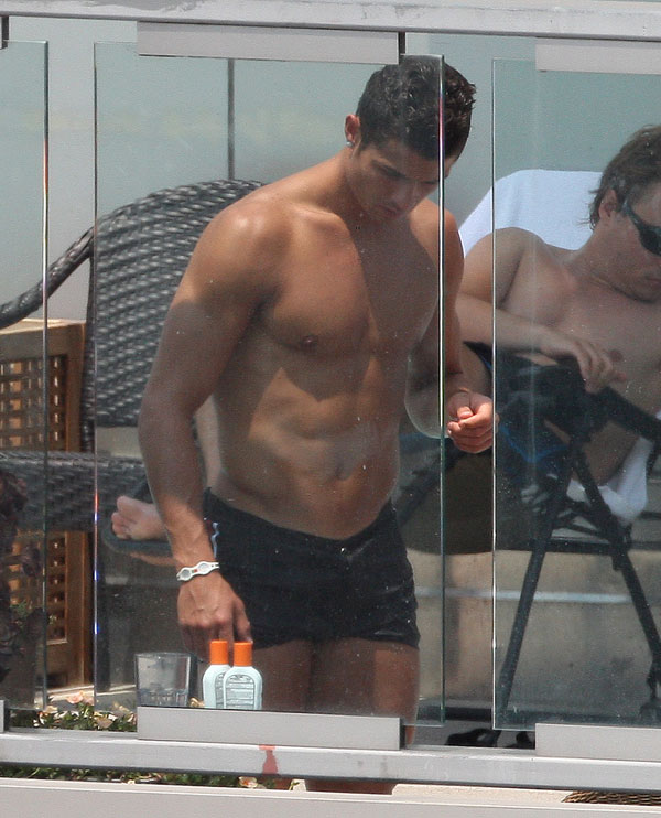 Cristiano Ronaldo on the Beach (12 pics)
