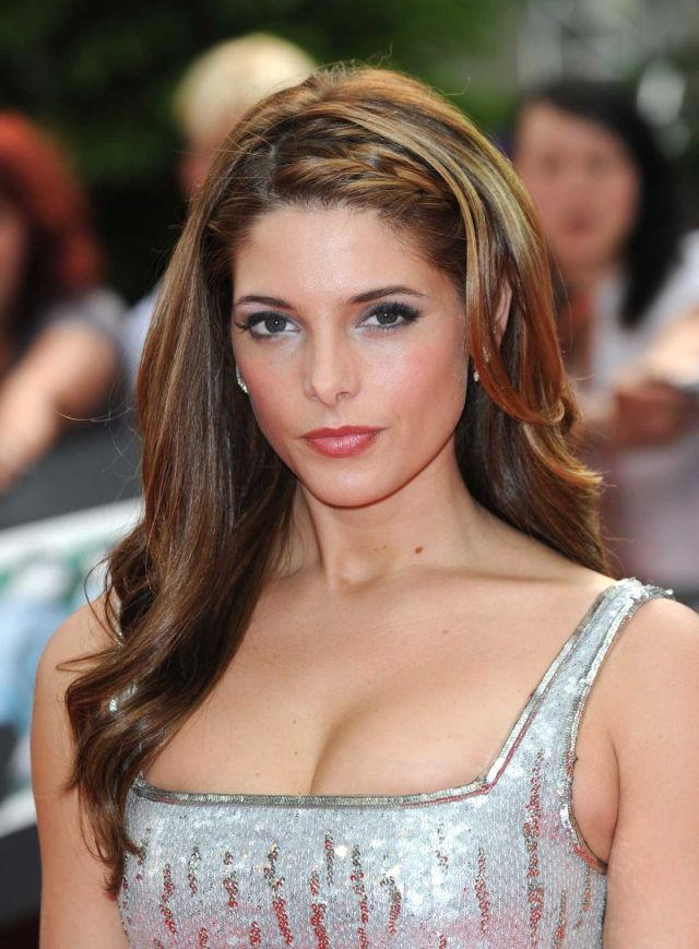 Ashley Greene's Hawtness in Pictures (8 pics)
