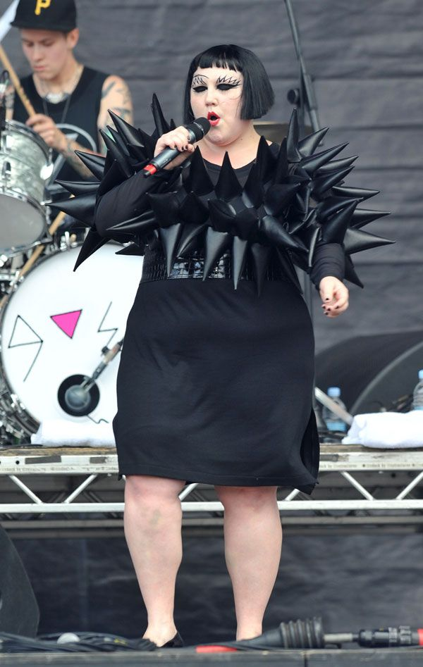 Beth Ditto…At Least She sings Great (10 pics)