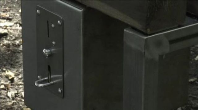 A Unique and Dangerous Private Bench (13 pics)