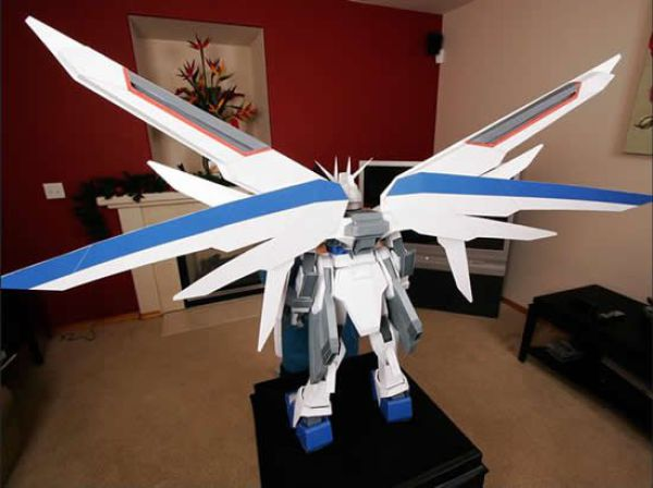 Incredible Papercraft (17 pics)