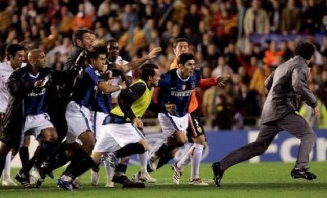 The Most Hilarious Soccer Moments (25 pics)