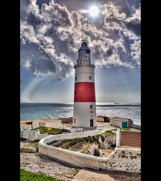 Beautiful and Haunted Lighthouses (43 pics)