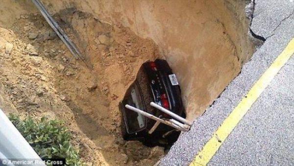 Car Gone (3 pics)
