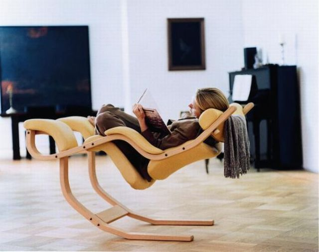 Free of Gravity Chair (6 pics)