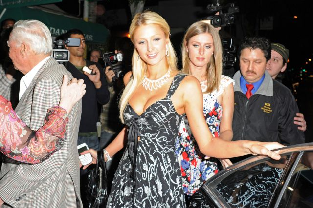At Least Paris Hilton Has Nice Cleavage (8 pics)