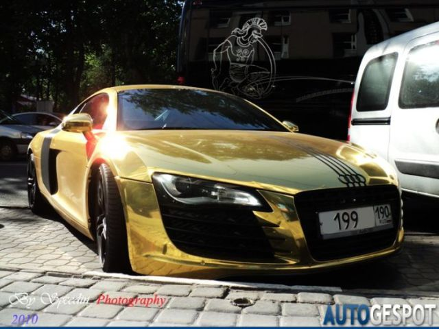 Golden Audi R8 On Sale (4 pics)