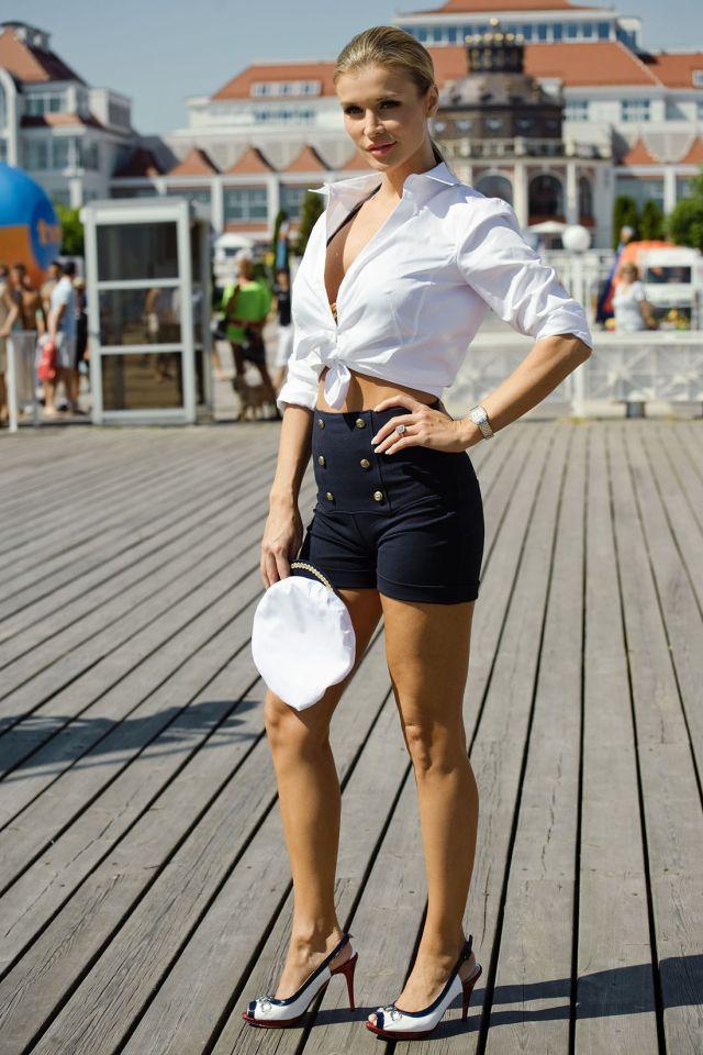 Joanna Krupa: Sexy, Beautiful and Elegant (13 pics)