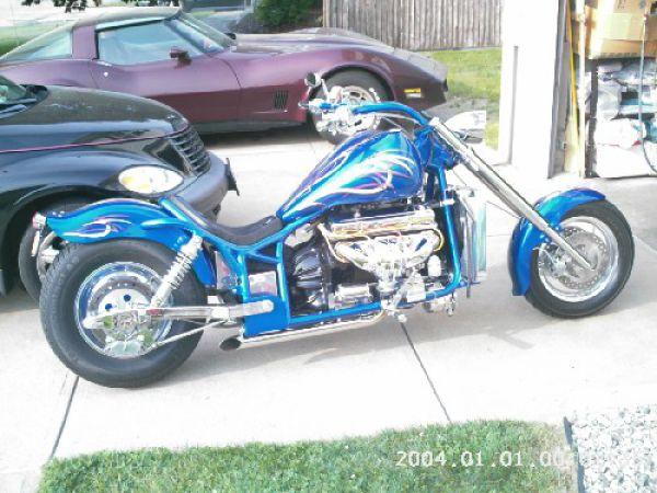 BIG BIG ENGINES MOTORCYCLES (14 pics)