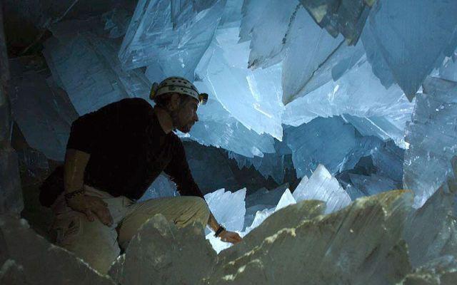 Crystal Cave (8 pics)