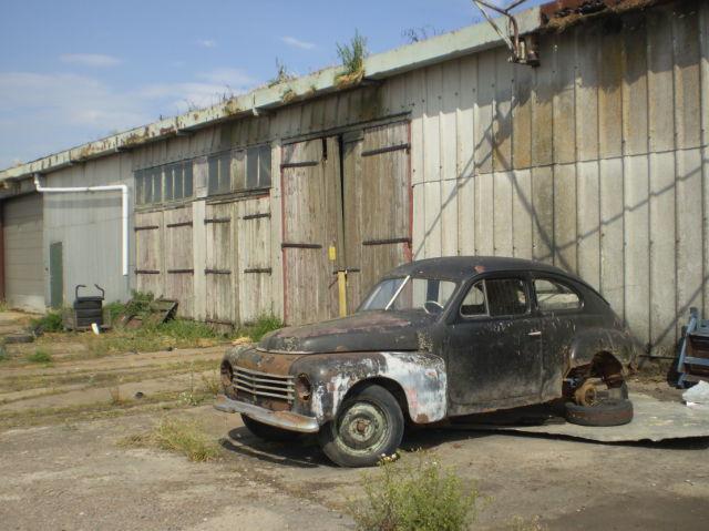 Old Volvo PV on Gotland Sweden (1 pic)