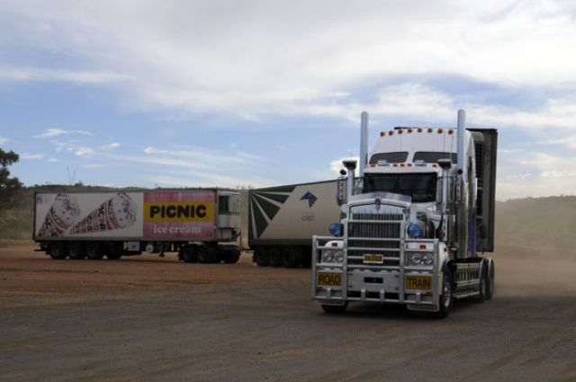 Road Trains (27 pics)
