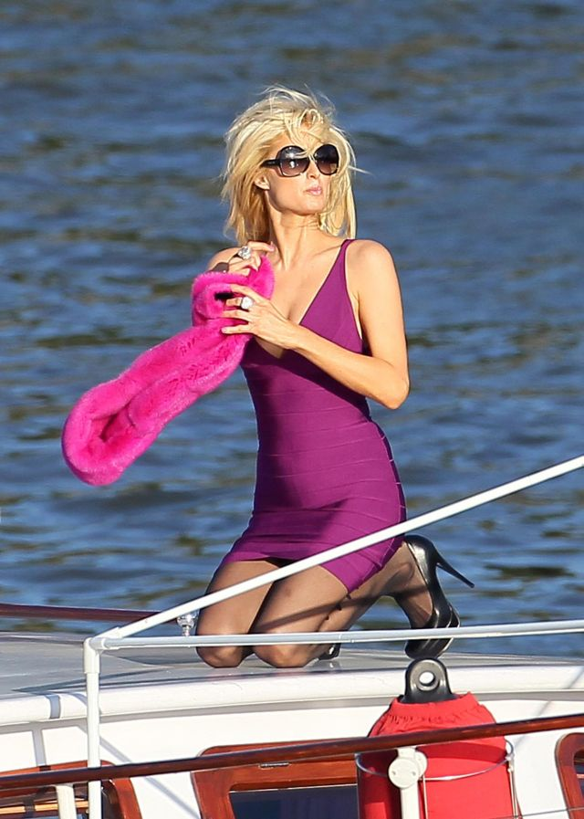 Paris Hiltton's Little Boat Trip (9 pics)