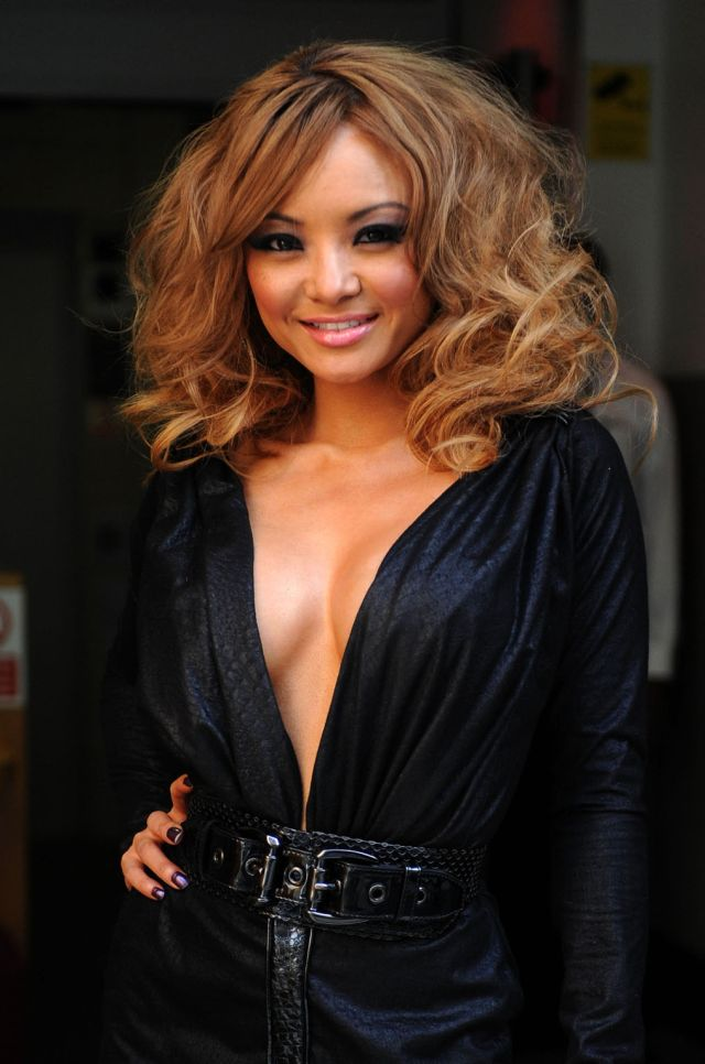 Tila Tequila Trying to Be Sexy (9 pics)