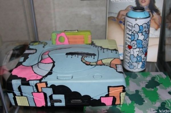 Beautifully Painted Game Consoles (25 pics)