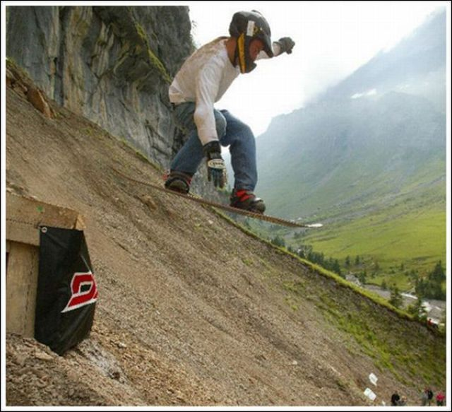 Extreme Rock-boarding (22 pics)