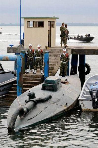 Cocaine Submarine (8 pics)