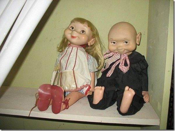 Dreadful and Weird Dolls (14 pics)