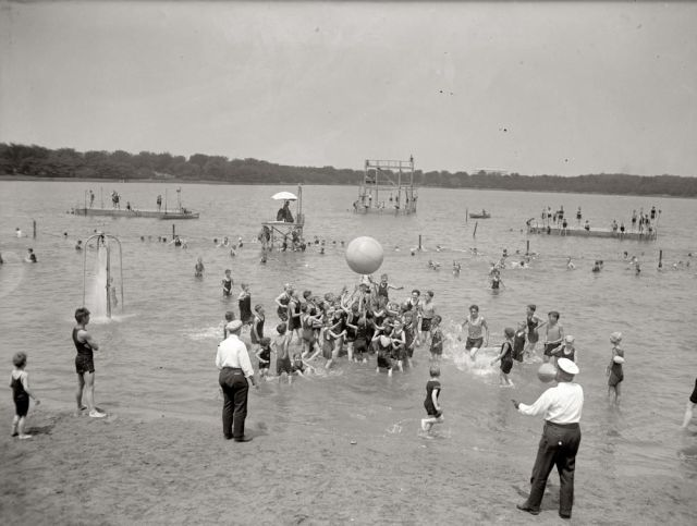 Beach One Century Ago (58 pics)