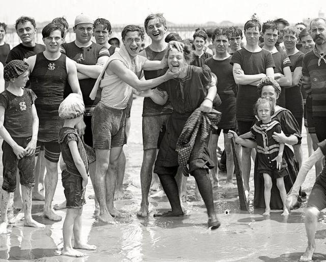 Beach One Century Ago (58 pics)