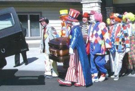 Clown Funerals (9 pics)