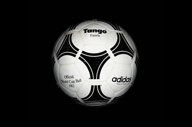 The Evolution of the World Cup Soccer Ball (19 pics)