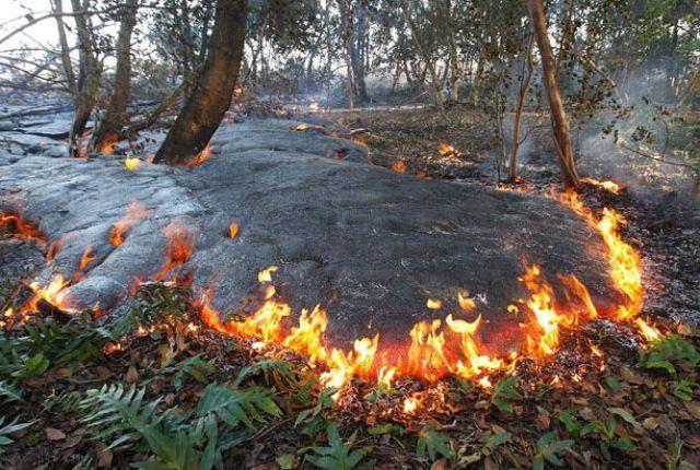 Volcano Thats Been Erupting Since 1983 (22 pics)