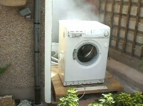 What happens if you throw a brick into a washing machine drum while it's working?