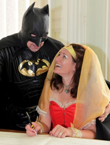 Batman Finally Marries (7 pics)