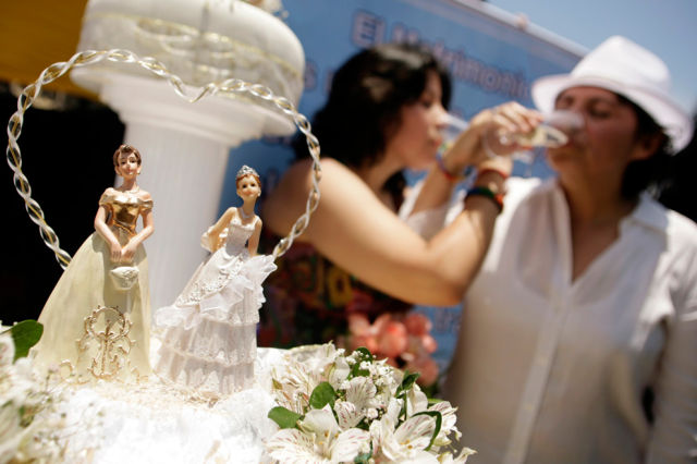 Same-Sex Marriages Around the World (40 pics)