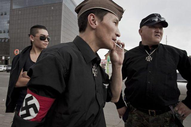 Skinheads in Mongolia (6 pics)