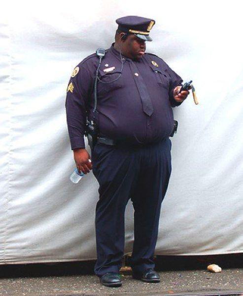 Such Fat Cops 25 Pics Picture 16 Izismilecom