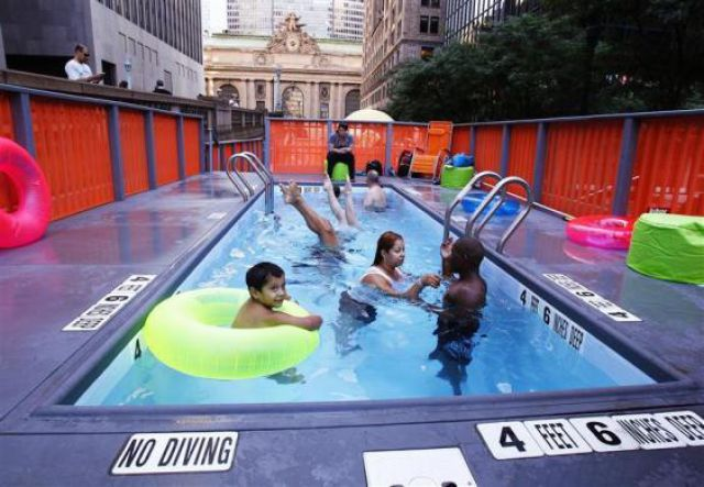 Dumpster Swimming Pools (11 pics)