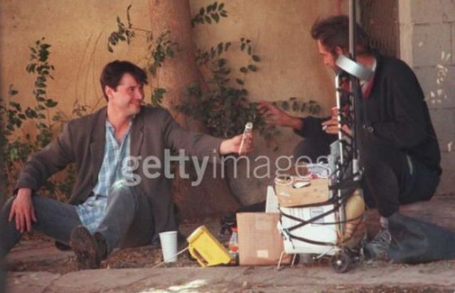 Keanu Reeves Spending His Morning with a Homeless Dude (9 pics)