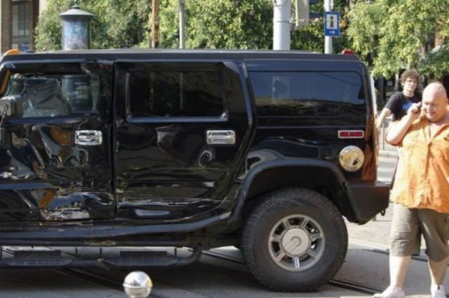 Hummer in Trouble (16 pics)